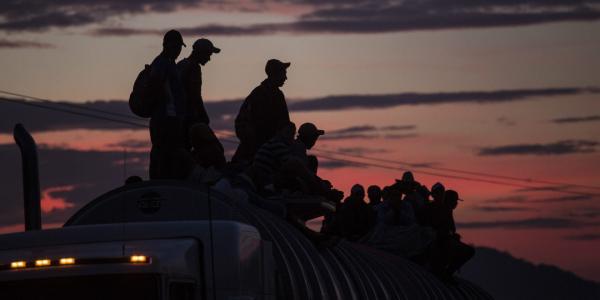 Cuestione   Global   Caravana migrante ¿beneficia a Trump?