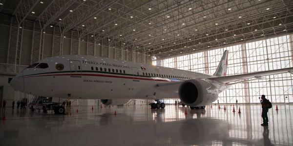Cuestione   México   El avión presidencial ¡Se fue!