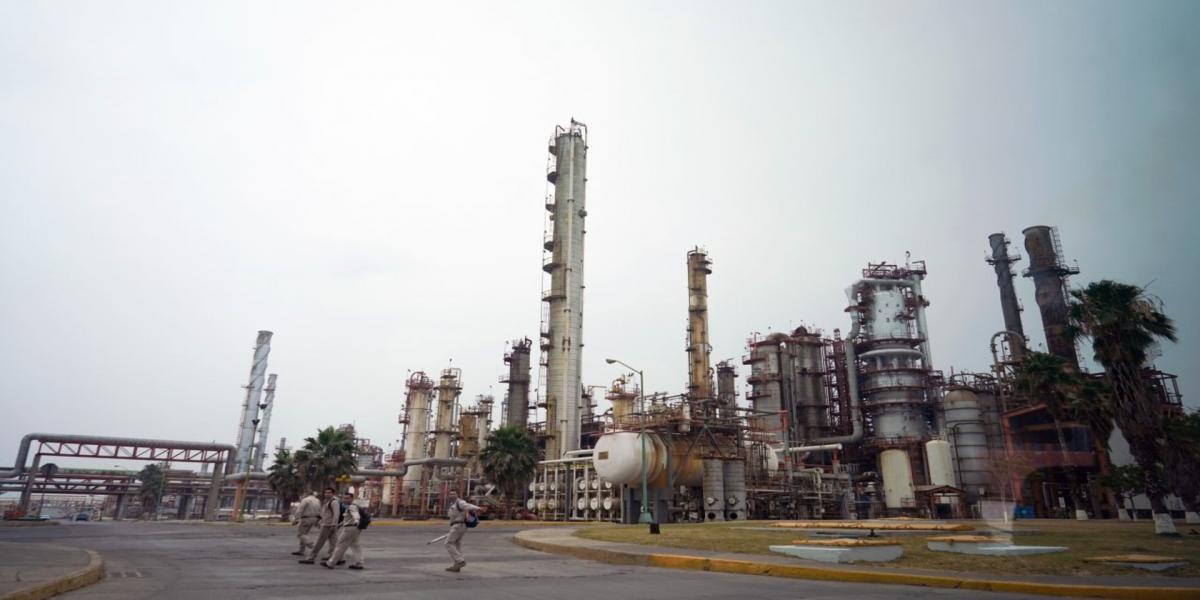 A Fondo | ¿Es buena idea seguir inyectando dinero a Pemex a pesar de sus pérdidas económicas?