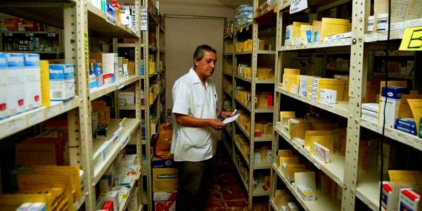 México | Gobierno de AMLO da contratos a farmacéuticas vetadas por… ¡AMLO!