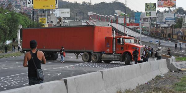 Cuestione   México   Infiltrados armaron bloqueo: Policía Federal