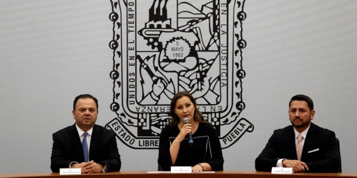 Cuestione   México   Puebla estrenó gobernadora pero...
