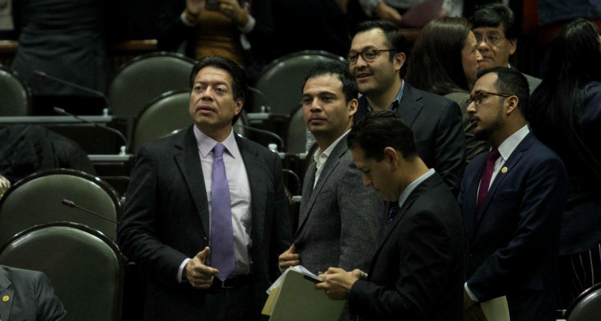 Cuestione   México   Pensiones presidenciales: ¿Atole con el dedo?
