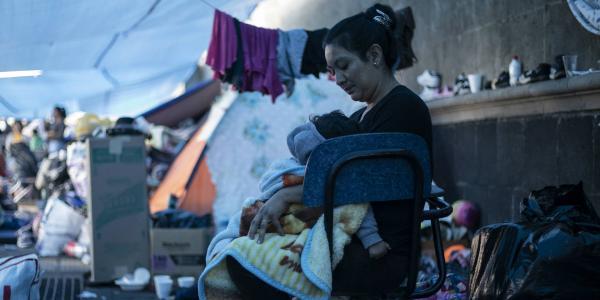 A Fondo | Los 96 menores que duermen en el Zócalo
