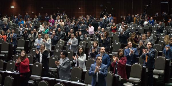 Cuestione   México   ¿Magistrado o diputado? ¡Bonos para todos!
