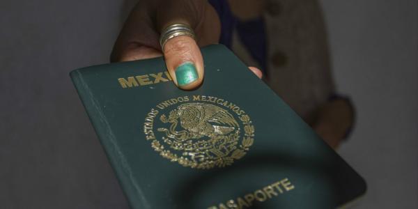 A Fondo | Mexicanos perdemos hasta 31 horas al año en trámites del gobierno