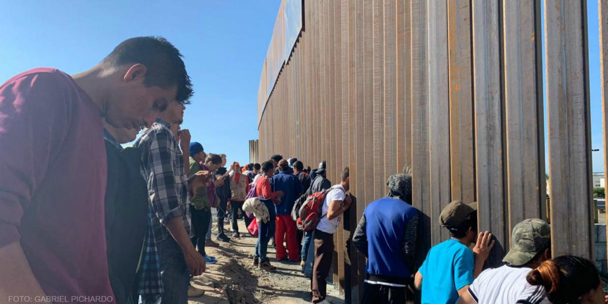 Cuestione   México   EU cierra su frontera en Tijuana