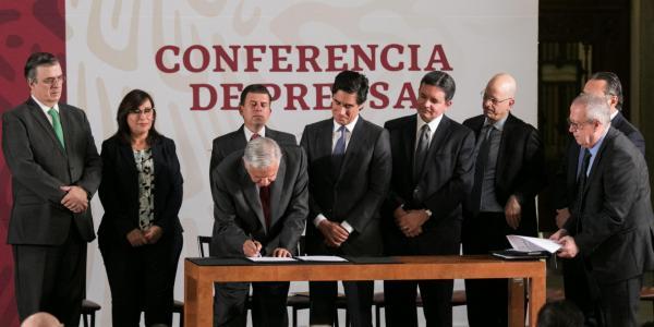 México | Pemex le compró a bancos internacionales algo de tiempo (y un poco de crédito)
