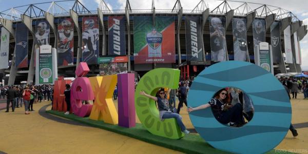 Cuestione   México   Primero y diez para AMLO con la NFL