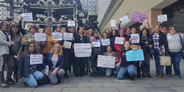 Cuestione   México   Reclaman mujeres a AMLO: ¡No sin nosotras!