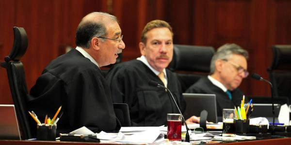 Cuestione   México   Se calienta pleito entre Corte y Legisladores