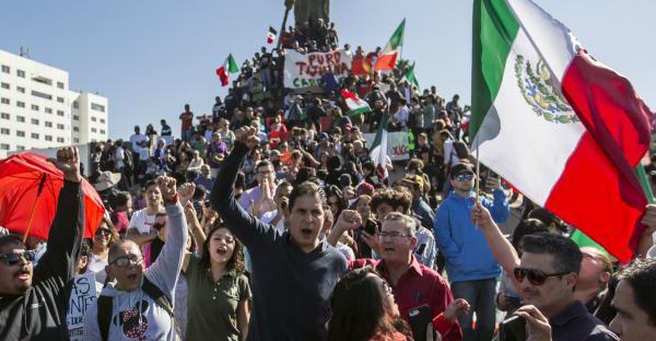Cuestione   México   Tijuana dividida: marchan por caravana