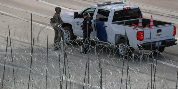 Cuestione   Global   Valla de púas espera a migrantes en Arizona
