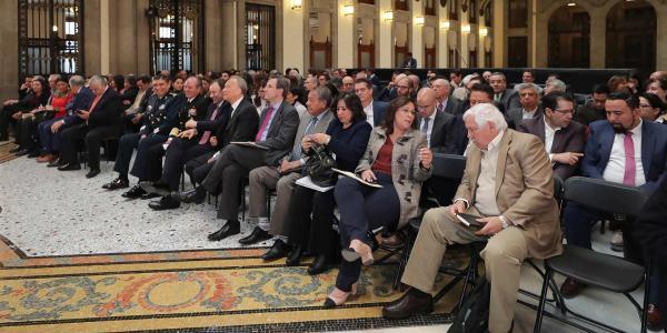 Cuestione | A Fondo | Los (no tan) austeros funcionarios de la 4T
