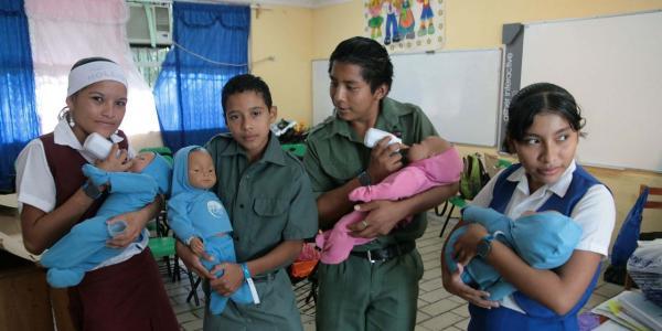 México | Educación sexual: ¿es distinta en escuelas públicas y privadas?