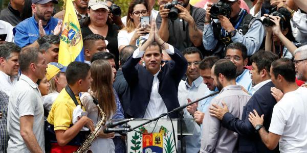Global | Guaidó bajo amenazas se pasea por Venezuela