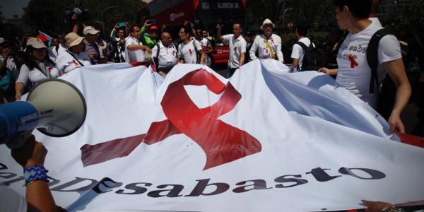 México | Desabasto de medicamentos contra VIH y la errática respuesta del gobierno