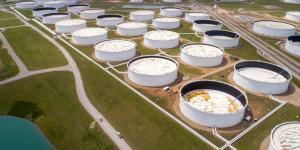 A Fondo | Almacenes casi llenos y especulación provocaron el desplome del petróleo