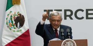 México | AMLO agradece en su Informe de Gobierno a Carlos Slim y Manuel Bartlett