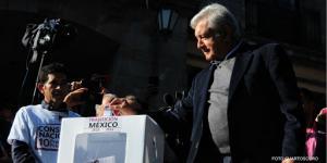 México | Así votó AMLO en la consulta por el Tren Maya