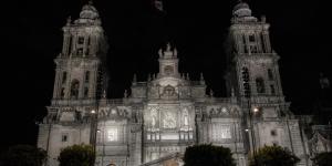 Cuestione | México | Buenas noticias: la Catedral Metropolitana tiene un seguro contra incendio