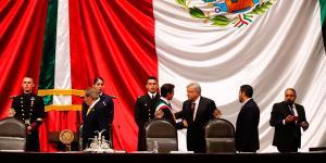 Cuestione | Hashtag | Cambio de memes: se va Peña, ¿entra AMLO?