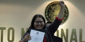 Cuestione | México | Citlalli Hernández, la historia de la senadora a la que le explotó una bomba