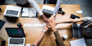 Cuestione | México | Construir amistades en el trabajo mejora la productividad… aunque no lo creas