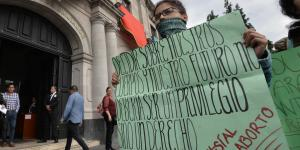 Cuestione | A Fondo | Busca Senado legalizar el aborto