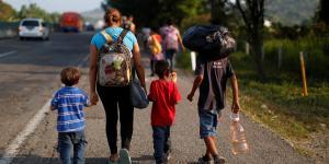 Global | Donald Trump amenaza con saturar de migrantes a las ciudades santuario de EU