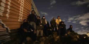 México | En pleno 31, migrantes intentaron pasar a EU