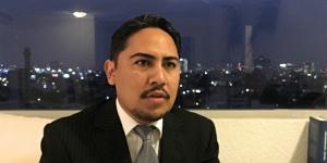 México | Estrena puesto el cuñado de John Ackerman
