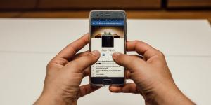 Hashtag | #FacebookDown: la crisis Godínez y millennial
