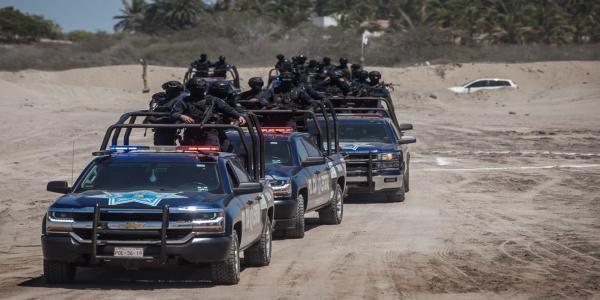 México | Mal pagados y agotados, así viven los policías de los estados en México