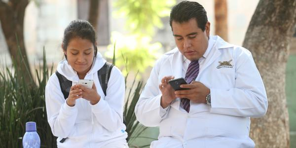 México | Love is in the web: ¿apps para ligar?