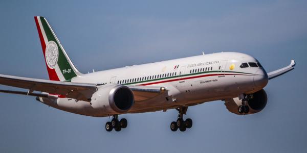 México | El misterio de la cena para rifar el avión: Presidencia no sabe quién asistió