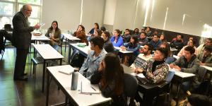 Cuestione | Hashtag | Las redes sociales y el bullying por las becas Benito Juárez