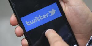 Cuestione | A Fondo | Lo que tienes que hacer para que un servidor público te desbloquee en Twitter