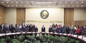 Cuestione | México | Las (muy, pero muy) caras asesorías al INE