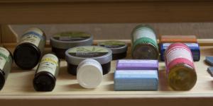 México | Nadie sabe qué hay en los frascos de marihuana medicinal