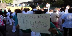 México | Pasantes de medicina, sin equipo de protección y bajo amenaza de desempleo