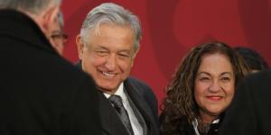 Cuestione | Hashtag | Sanjuana Martínez, reina del block en Twitter
