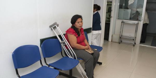 Cuestione | A Fondo | ¿Servicios de salud de calidad? Imposible