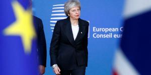 Cuestione | Global | Theresa May resiste bullying en Inglaterra