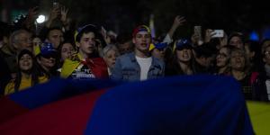 Cuestione | Global | Venezolanos quieren fuera a Nicolás Maduro