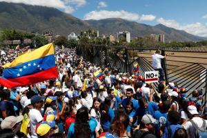 Global | Venezuela rompe relaciones con Colombia