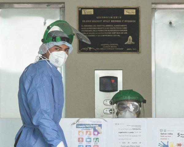 México | En CDMX: Cada vez hay más pacientes con COVID-19 que se tratan en casa
