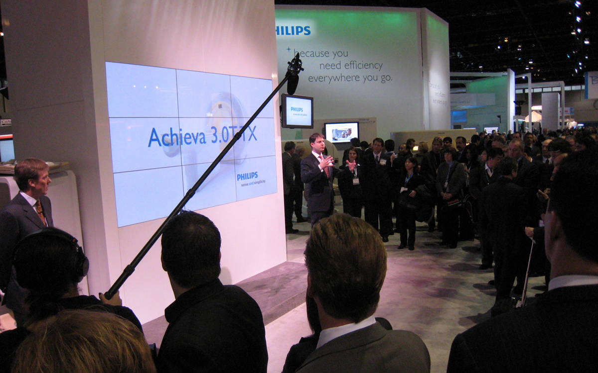 Steve Multer hosting the press conference launch for Philips' Achieva at RSNA in Chicago