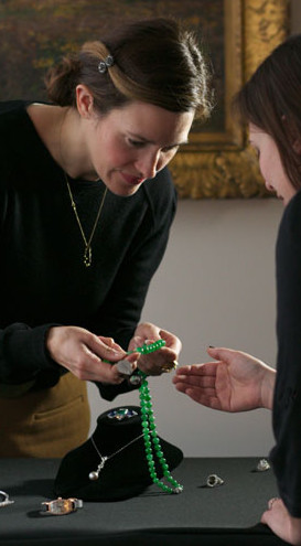 Meet with Skinner appraiser Victoria Bratberg, Director of Fine Jewelry