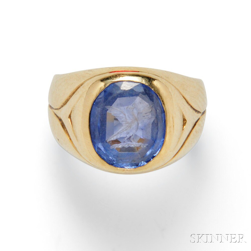18kt Gold and Sapphire Intaglio Ring, Spaulding & Co., c. 1940s (Lot 321, Estimate $1,500-$2,000)